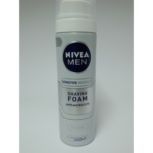 NIVEA MEN SENSITIVE 200ml PIANKA DO GOLENIA